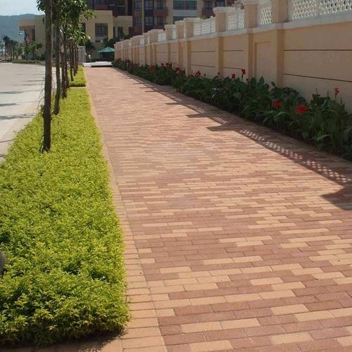 广场生态透水砖安装